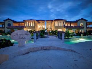 Sea View Villa Paraiso with Spacious Interiors & Pool  - 2 Min to Beach! - Ambergris Caye vacation rentals
