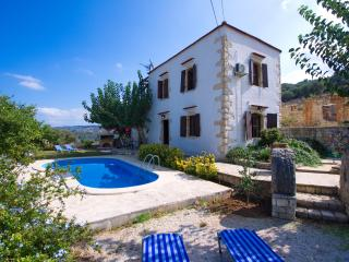 Lovely 2 bedroom Armeni Villa with Deck - Armeni vacation rentals
