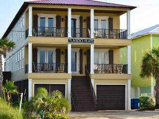 'Tuxedo Flats' POOL, Elevator, Basketball Ct - Gulf Shores vacation rentals