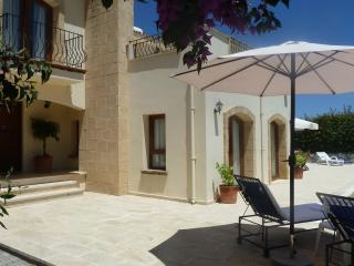 3 bedroom Villa with Internet Access in Kyrenia - Kyrenia vacation rentals