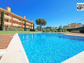 Beautiful duplex with communal area - L'Escala vacation rentals