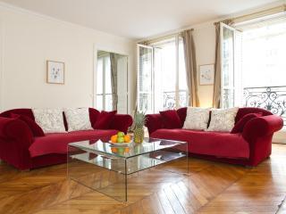 65. 3BR - SAINT GERMAIN DES PRÈS - RUE DE RENNES - Paris vacation rentals