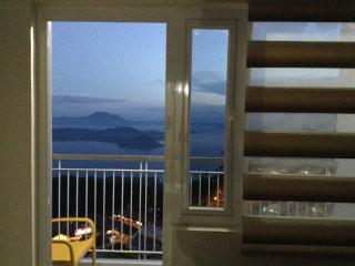 Blowing in the Wind - Taal Lake views - Tagaytay vacation rentals