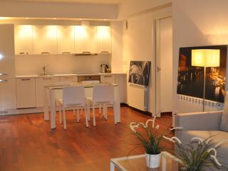 NEW SUNNY PENTHOUSE - Barcelona vacation rentals