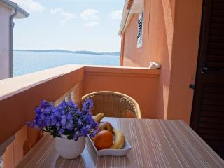 Star day apartment - 3 people seafront house app. - Bibinje vacation rentals