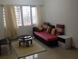 Independent 2 Bedroom Apt all Yours - Mumbai (Bombay) vacation rentals