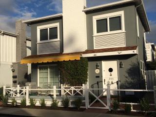 Balboa Island Charmer, Walk to Bayfront - Balboa Island vacation rentals