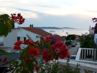 Comfortable apartment La Luna 6+2 persons - Island Hvar vacation rentals