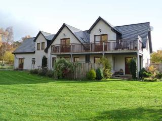 AN TORR, en-suite facilities, WiFi, private orchard, spacious cottage in Newtonmore, Ref. 906812 - Newtonmore vacation rentals