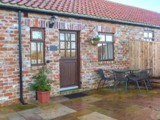 BEACON, red brick barn conversion, single-storey, walks from door, near Moorsholm and Saltburn-by-the-Sea, Ref 919672 - Liverton vacation rentals