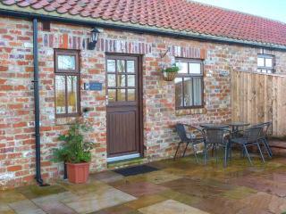 BEACON, red brick barn conversion, single-storey, walks from door, near Moorsholm and Saltburn-by-the-Sea, Ref 919672 - Liverton vacation rentals