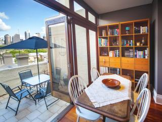 Wonderful Apartment in Sydney with Outdoor Dining Area, sleeps 2 - Sydney vacation rentals