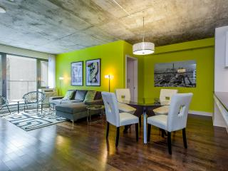 Luxury Downtown 2 bdrm Condo,  3362 - Montreal vacation rentals