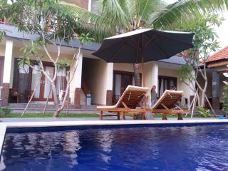 Nice Condo with Outdoor Dining Area and Satellite Or Cable TV - Canggu vacation rentals
