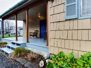 Dog-friendly home w/ quiet location, close to town and the beach - Rockaway Beach vacation rentals
