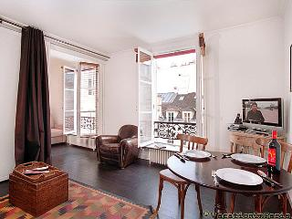 Louvre & D'Orsay on Your Doorstep One Bedroom - Paris vacation rentals
