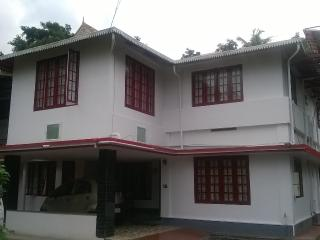 Nice Condo with Internet Access and Satellite Or Cable TV - Chalakudy vacation rentals