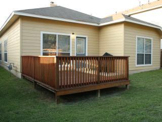Beautiful 5BR Home in Gate Community. BMT Specials - San Antonio vacation rentals