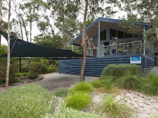 2 bedroom House with Deck in Halls Gap - Halls Gap vacation rentals