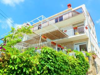 Studio apartment with terrace and sea view - Mlini vacation rentals
