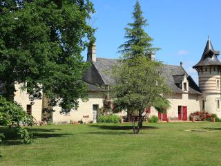 Bright Gite in Brion with Central Heating, sleeps 2 - Brion vacation rentals