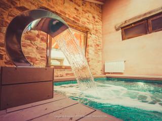 Cozy 3 bedroom Alcaraz Farmhouse Barn with Balcony - Alcaraz vacation rentals