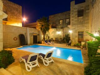 Gozovigliando Bed & Breakfast House of Character - Nadur vacation rentals