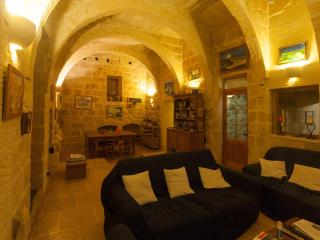 Gozovigliando Bed & Breakfast House Of Character 3 - Nadur vacation rentals