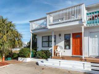 """14 Gulfbreeze Court"" Townhome close to the Jetties, Snorkel and Fishing Paradise!! - Destin vacation rentals"