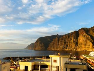 Apartment's on offer in Tenerife 1 - Los Gigantes vacation rentals