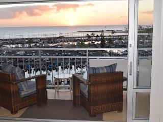 New Listing.Direct Beachfront Condo available Now! - Honolulu vacation rentals