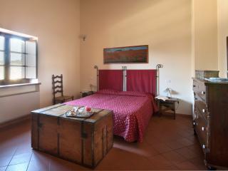 Cozy 1 bedroom Gualdo Cattaneo Farmhouse Barn with Internet Access - Gualdo Cattaneo vacation rentals