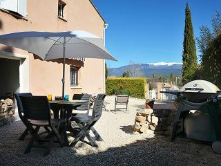 Lou Ventoux, Gîte de Charme en Provence - Villes-sur-Auzon vacation rentals