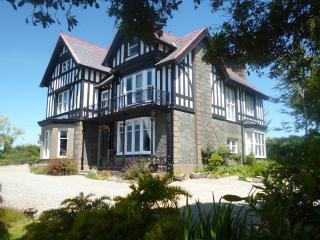 Snowdonia Coastal View Country House Apartment - Llanbedr vacation rentals