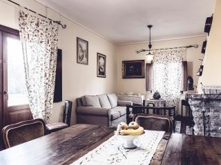 Bright 5 bedroom Villa in Oliveto - Oliveto vacation rentals