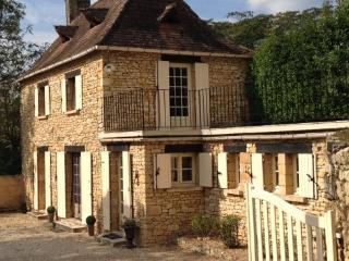 Charming Dordogne Holiday Cottage near Sarlat - Saint-Cyprien vacation rentals