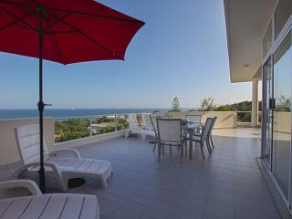 Cozy Condo in Umhlanga Rocks with Internet Access, sleeps 6 - Umhlanga Rocks vacation rentals