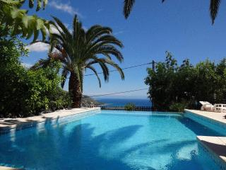 Villa Baïna 3* - 4 guests, garden, swimming pool - Menton vacation rentals