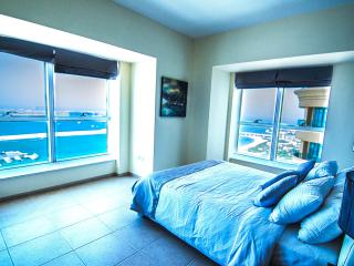 Panoramic Palm Views Luxury Apartment - Dubai vacation rentals