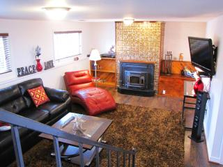 Elegant Getaway in the Foothills, Villa G Denver - Denver Metro Area vacation rentals