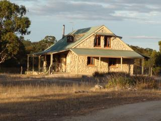 Broken Gum Country Retreat - Adelaide Hills vacation rentals