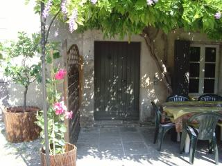 Bright Gite with Dishwasher and Garden in Cheval-Blanc - Cheval-Blanc vacation rentals