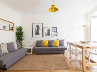 Central Bairro Alto 4 Rooms Up To 15 Guests - Lisbon vacation rentals