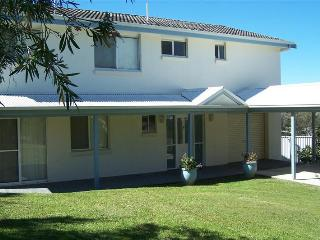 Cozy 3 bedroom House in Scotts Head with Balcony - Scotts Head vacation rentals