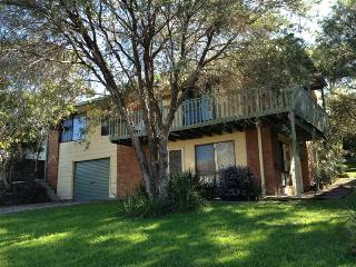 SEA BREEZE - Yarrahapinni vacation rentals