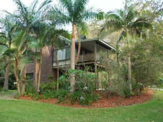 Beautiful 2 bedroom Scotts Head House with Shared Outdoor Pool - Scotts Head vacation rentals