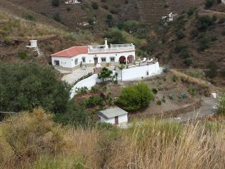 Traditional Spanish villa with mountain views - El Morche vacation rentals