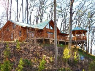 Shooting Star Ridge – Incredible View from a Gorgeous Cabin with Hot Tub, Fire Pit, and Wi-Fi -- Close to Rafting, the Cas - Smoky Mountains vacation rentals
