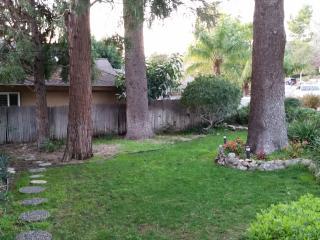Studio with yard, separate entrance w/bathroom - La Crescenta vacation rentals