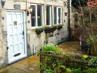 MAY COTTAGE, Grade II listed, woodburner, enclosed courtyard, on the banks of the Rochdale Canal, near Hebden Bridge, Ref 912967 - West Yorkshire vacation rentals